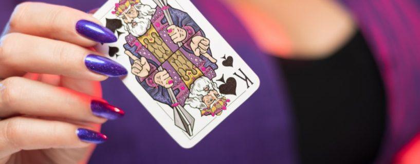 กติกาการเล่นเกมไพ่แบล็คแจ็คอย่างง่าย สำหรับผู้เล่นมือใหม่