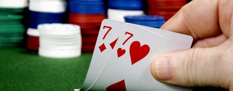 กลยุทธ์แบล็คแจ็คขั้นพื้นฐาน วิธีการเล่นหากได้ไพ่คู่