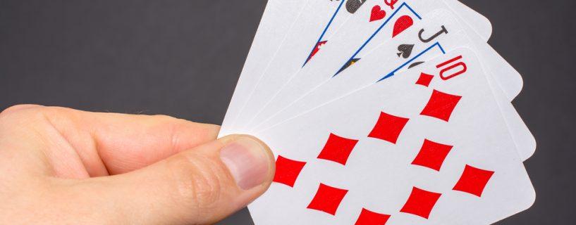 หลักการตัดสินแพ้ชนะในเกมไพ่แบล็คแจ็ค